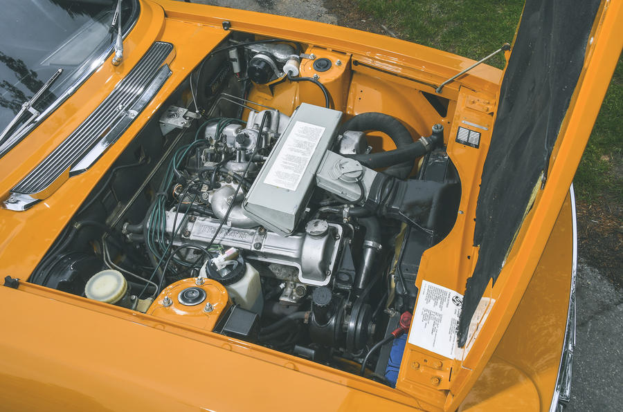 1972 Triumph Stag - engine