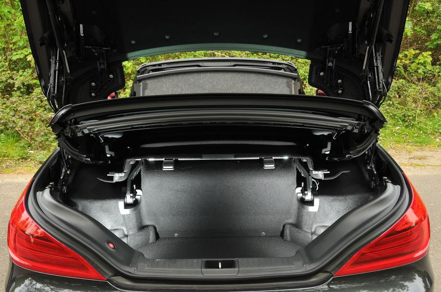 Mercedes-Benz SL 400 boot space