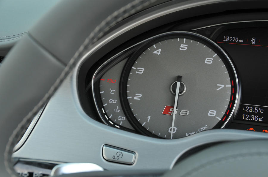 Audi S8 Plus rev counter