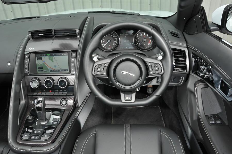 Jaguar F-type R Convertible dashboard