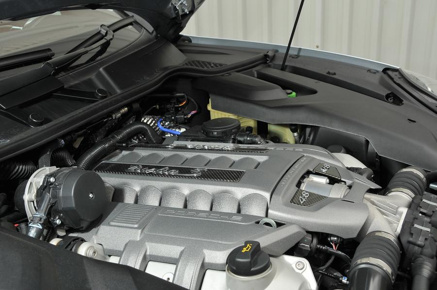 4.8-litre V8 Porsche Cayenne Turbo S engine