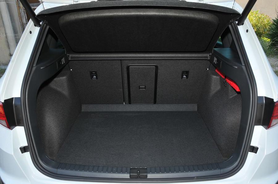 2016 seat ateca 2 0 tdi 190 4drive review review autocar. Black Bedroom Furniture Sets. Home Design Ideas