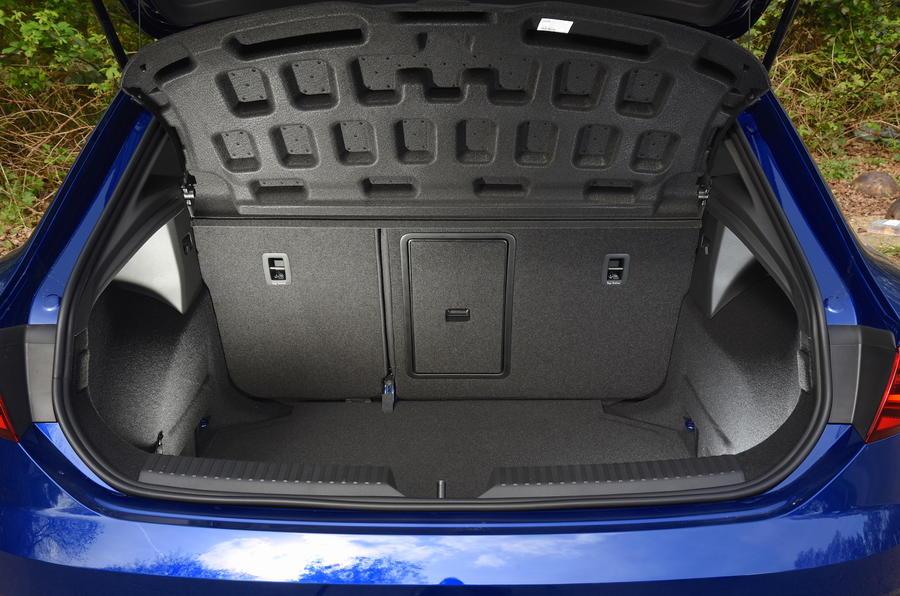 Seat Leon SC Cupra 300 boot space