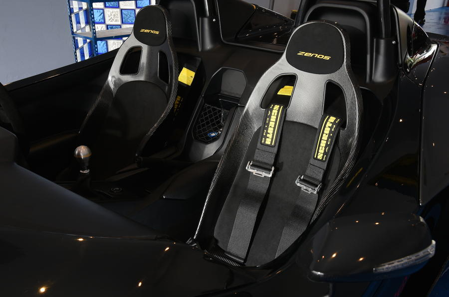 Zenos E10 R race seats