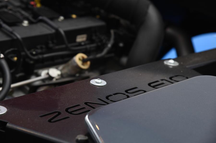 Zenos E10 R badging