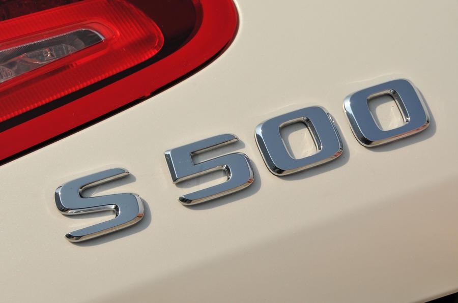 Mercedes-Benz S500 badging