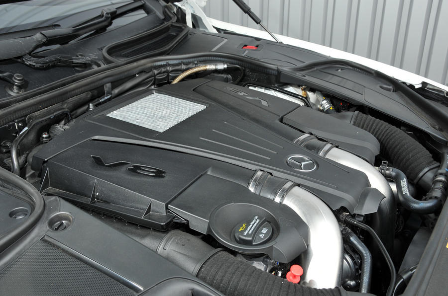 4.7-litre V8 Mercedes-Benz S500 engine