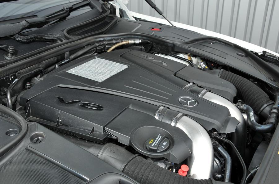 4.7-litre V8 Mercedes-Benz S500 engine