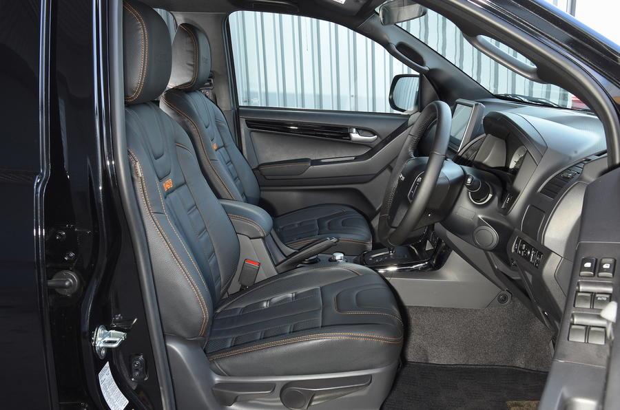 Isuzu D-Max Blade interior