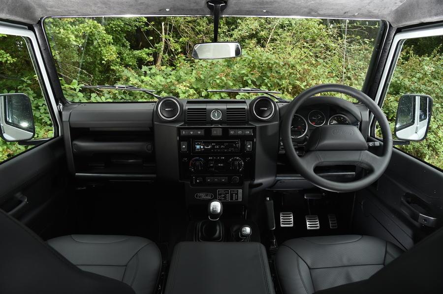 ... Land Rover Defender 110 Dashboard ...