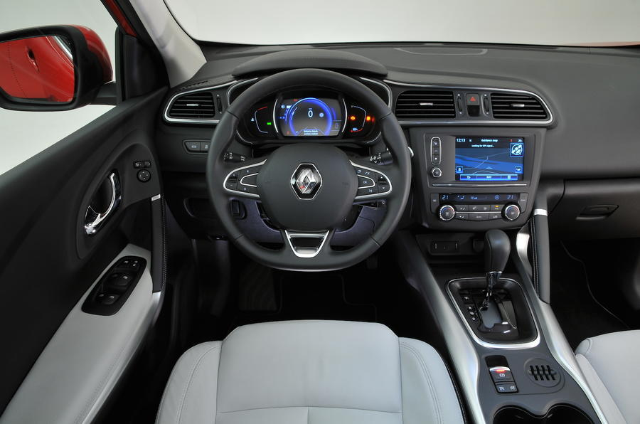 2015 Renault Kadjar 1.6 dCi 130 Signature Nav review ...