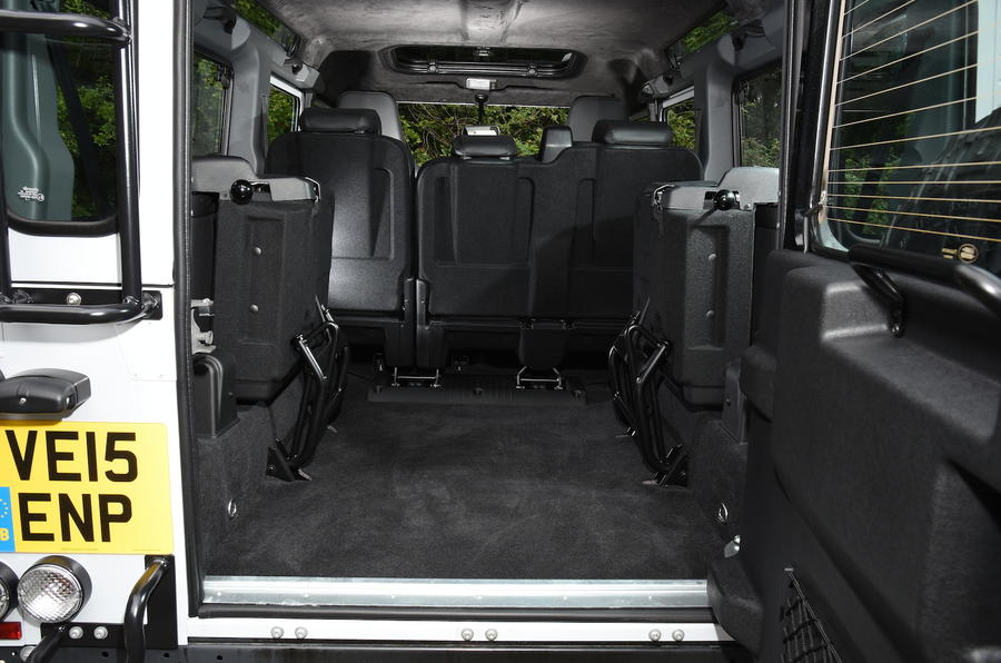 Land Rover Defender 110 rear space