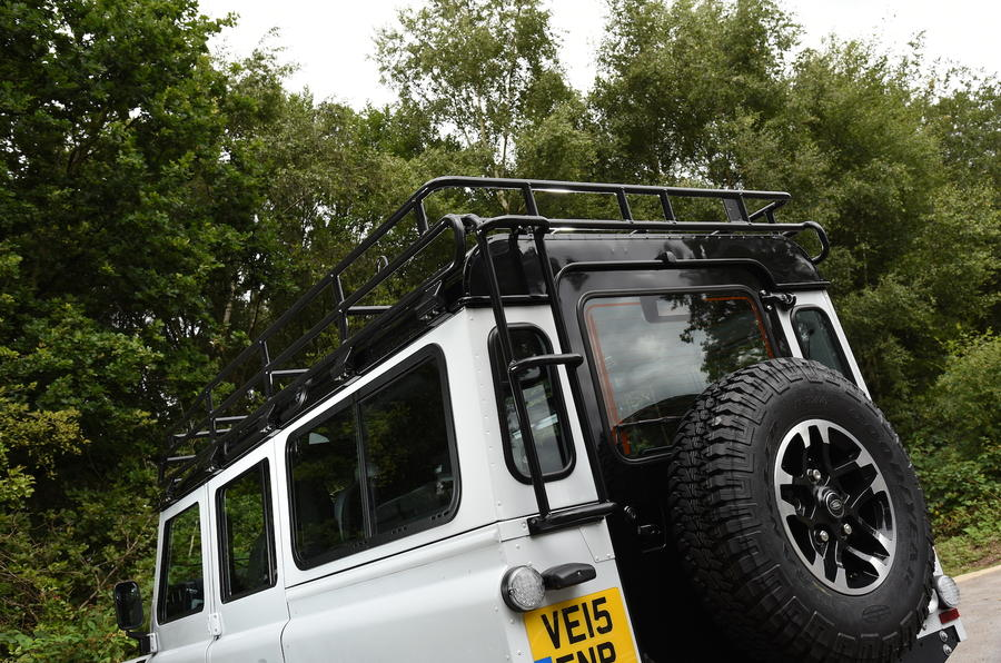 Land Rover Defender 110 Adventure roof rack