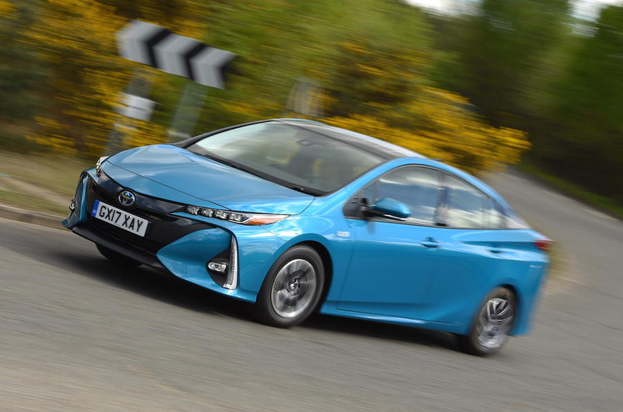 toyota prius plug in business edition plus 2017 uk review autocar. Black Bedroom Furniture Sets. Home Design Ideas