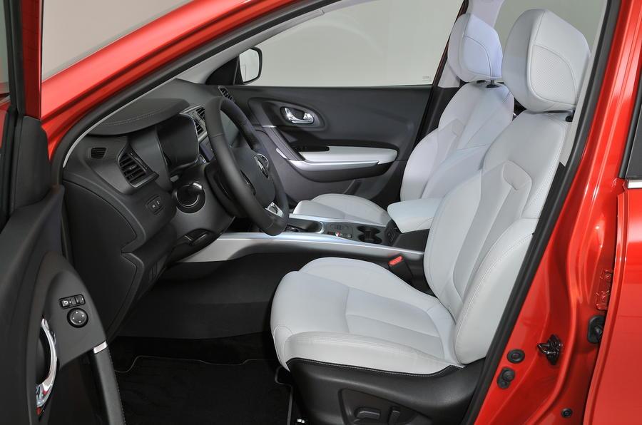 2015 renault kadjar 1 6 dci 130 signature nav review for Interior renault kadjar
