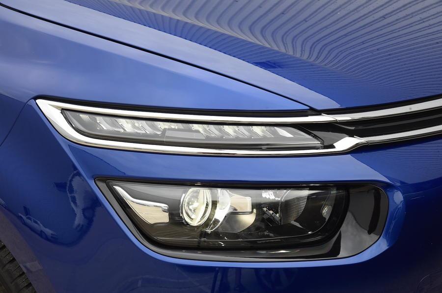 Citroën C4 Grand Picasso headlights