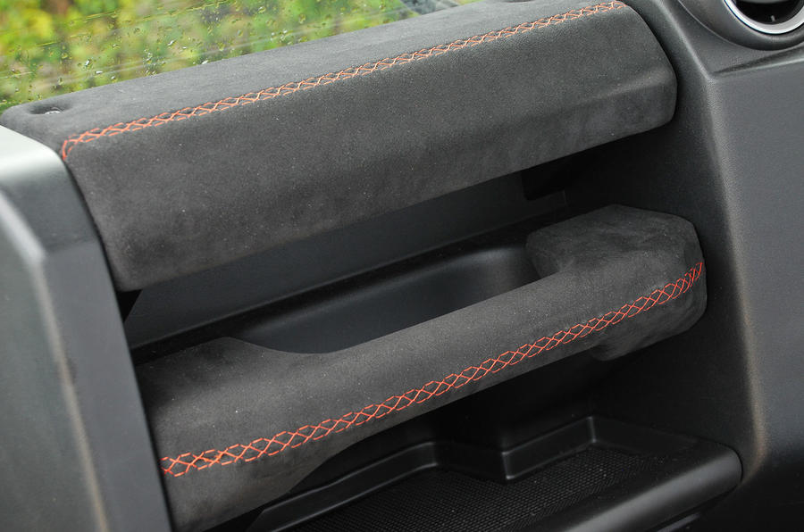 JE Motorworks Defender Alcantara grab handle