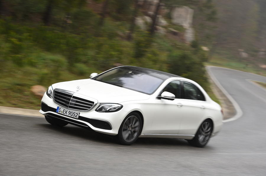 Mercedes-Benz E 220 d cornering