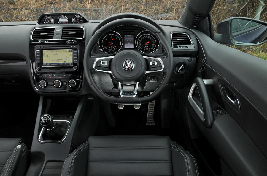 Volkswagen Scirocco R-Line dashboard