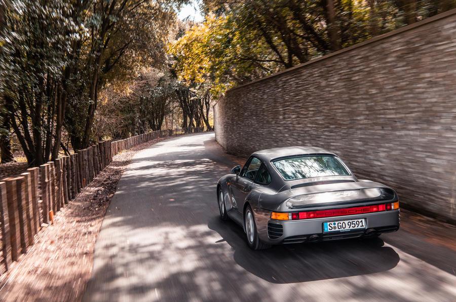 Porsche 959 - rear