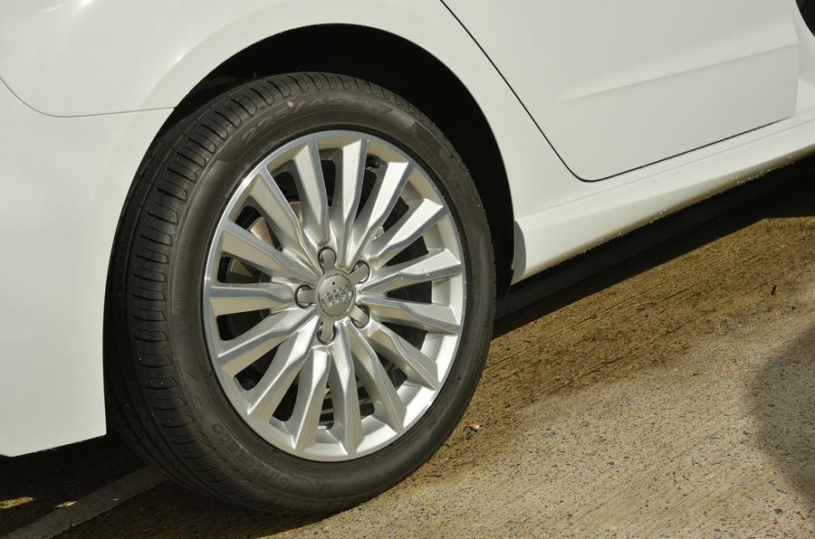 17in Audi A3 Sportback e-tron alloys