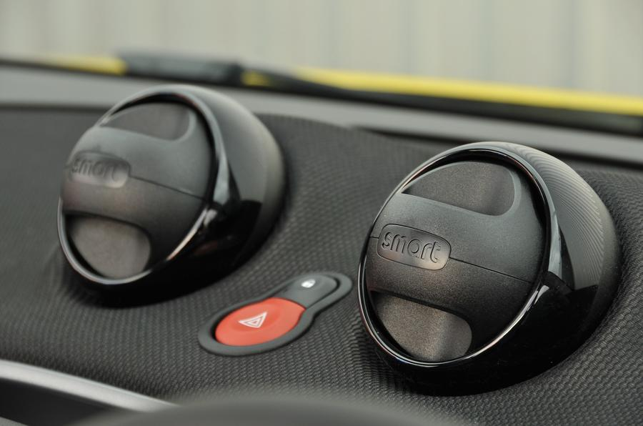 Smart Fortwo Cabrio air vents