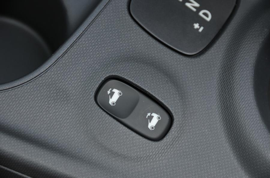 Smart Fortwo roof controls