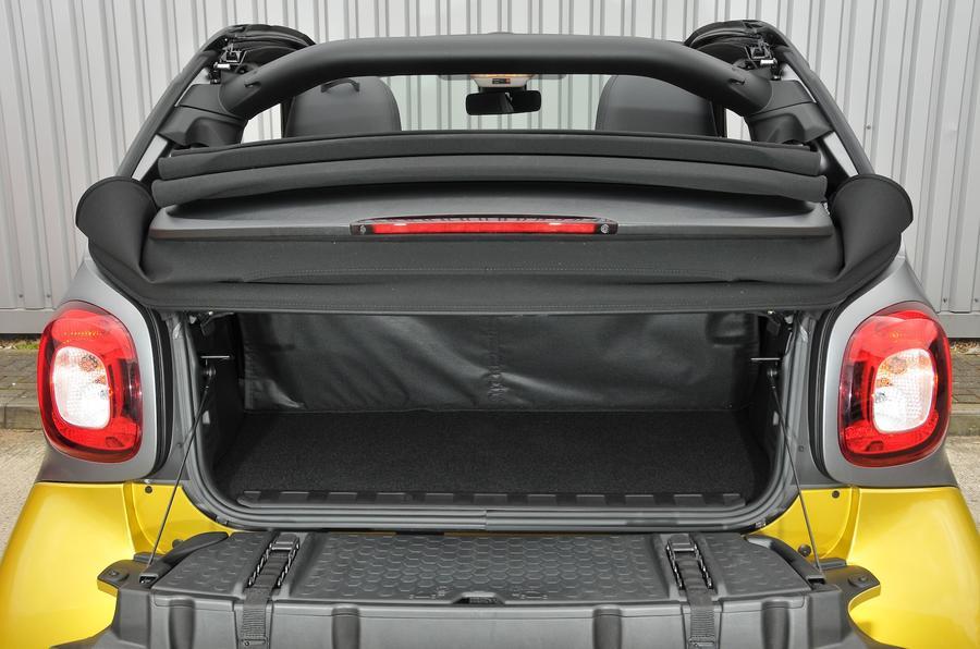 Smart Fortwo Cabrio boot open
