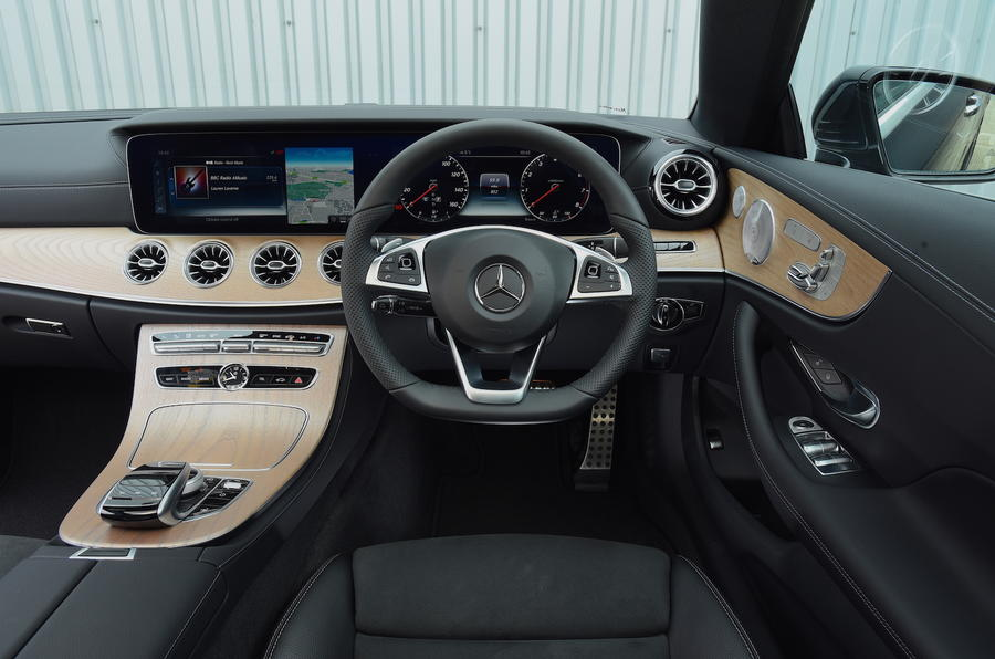 Mercedes E300 Coupe dashboard