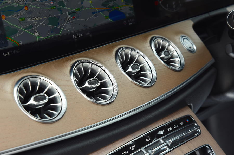 Mercedes E300 Coupe air vents