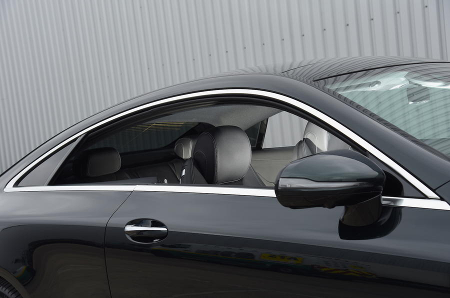 Mercedes E300 Coupe roof line