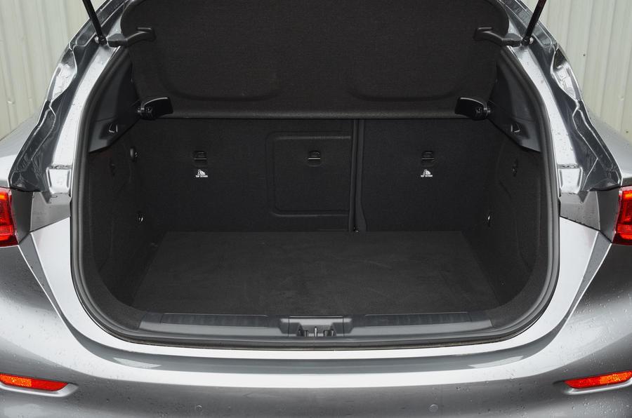 Infiniti Q30 boot space