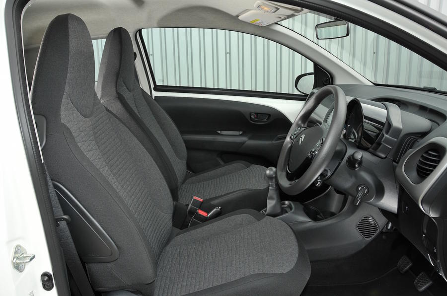 CITROEN C1 BLACK SPORT SEAT COVERS WITH RED PIPING 05-ON