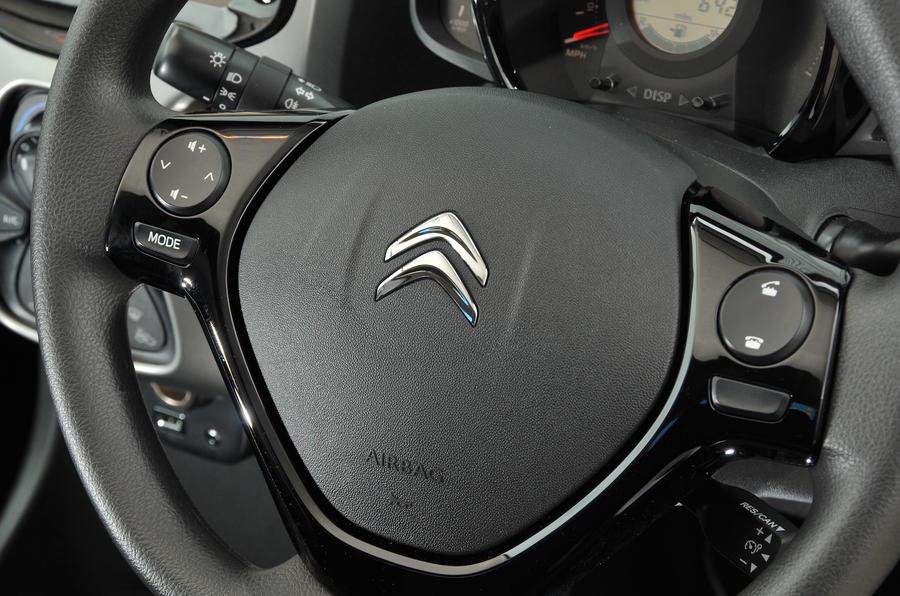 Citroen C1 steering wheel controls