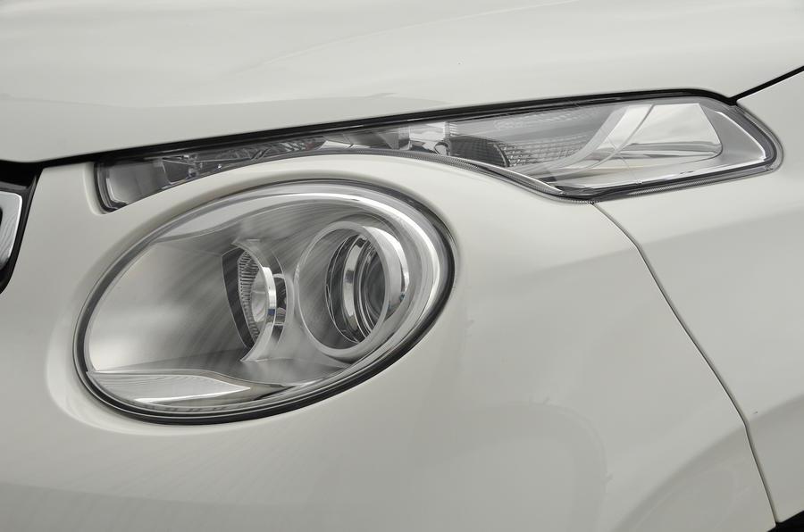 Citroen C1 headlights