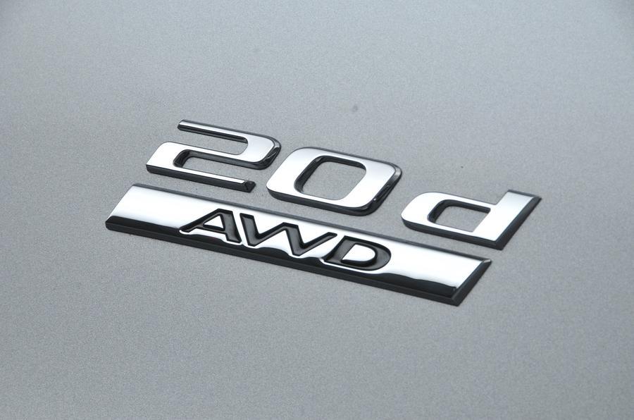 Jaguar F-Pace 2.0d AWD badging