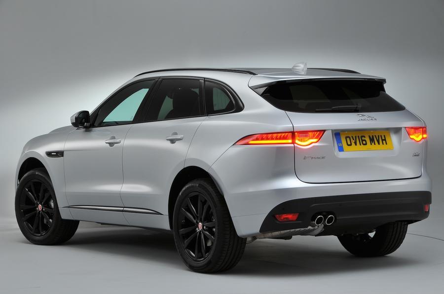 2016 jaguar f pace uk drive review review autocar for Interieur jaguar f pace