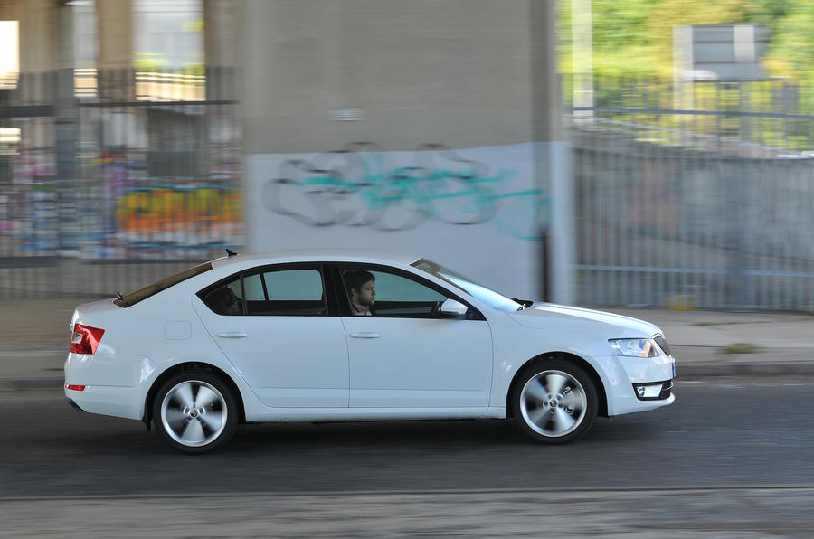 Skoda Octavia side profile