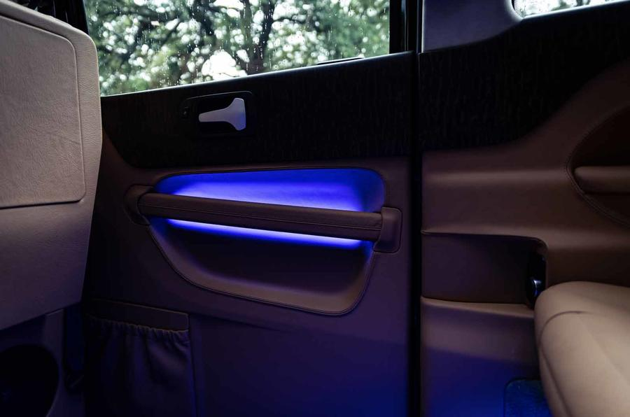 Sutton VIP Class LEVC taxi lights
