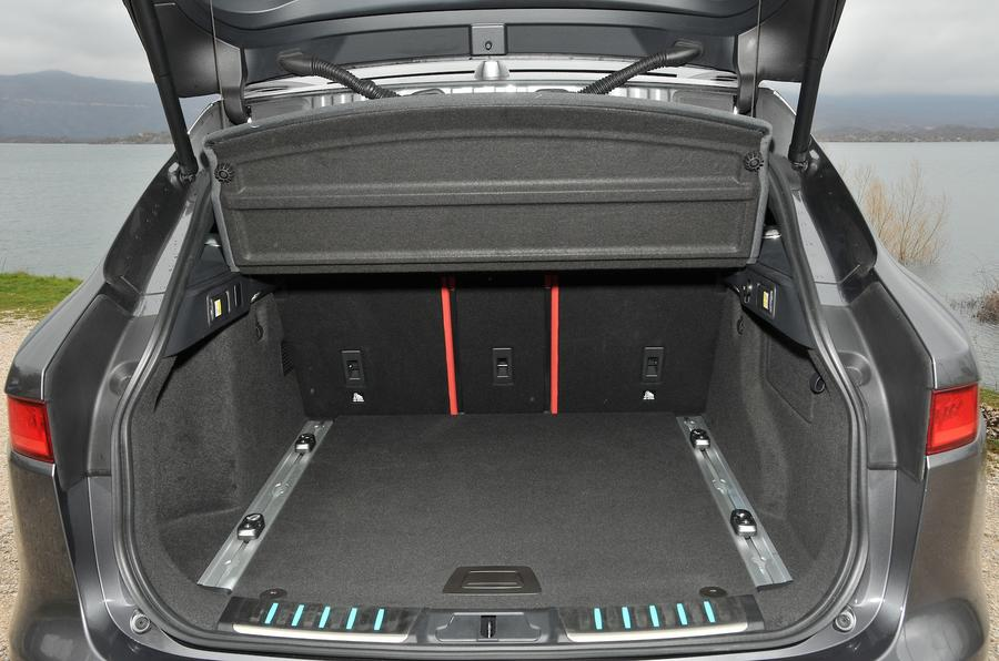 2016 jaguar f pace 3 0 v6 review review autocar. Black Bedroom Furniture Sets. Home Design Ideas