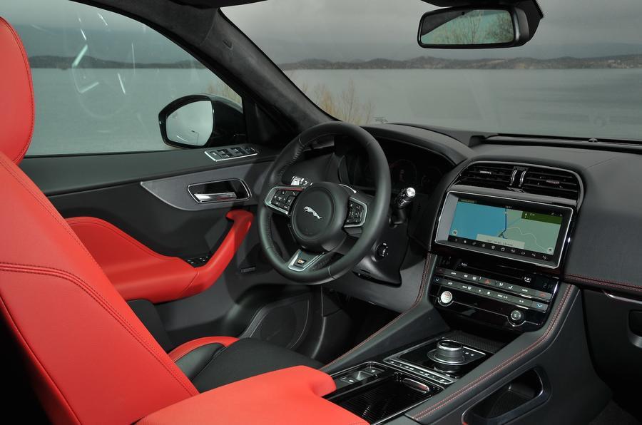 Jaguar F-Pace front cabin space