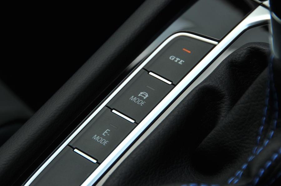 Volkswagen Passat GTE hybrid modes