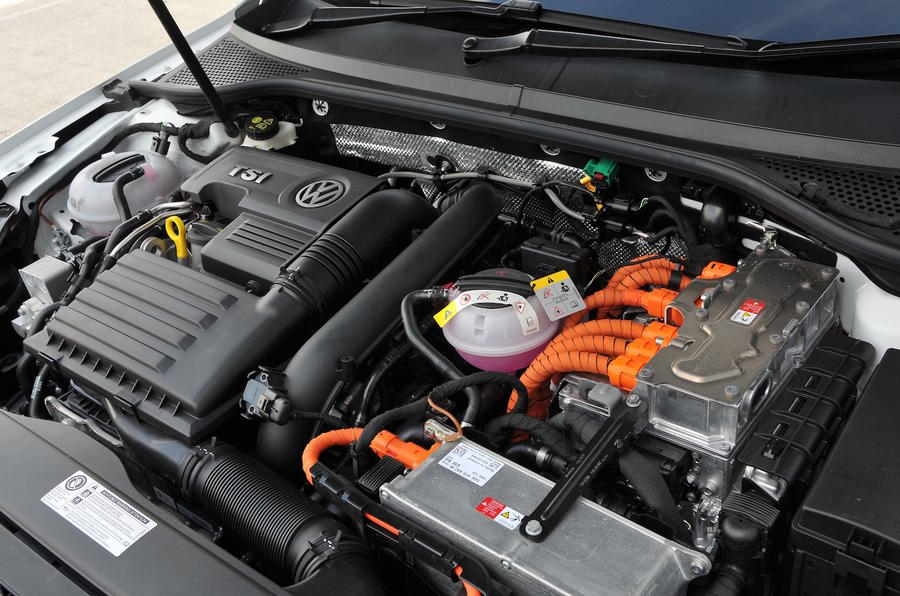Volkswagen Passat GTE petrol-electric engine