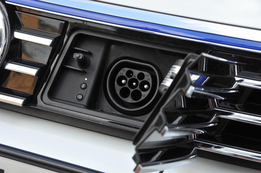 Volkswagen Passat GTE charging port