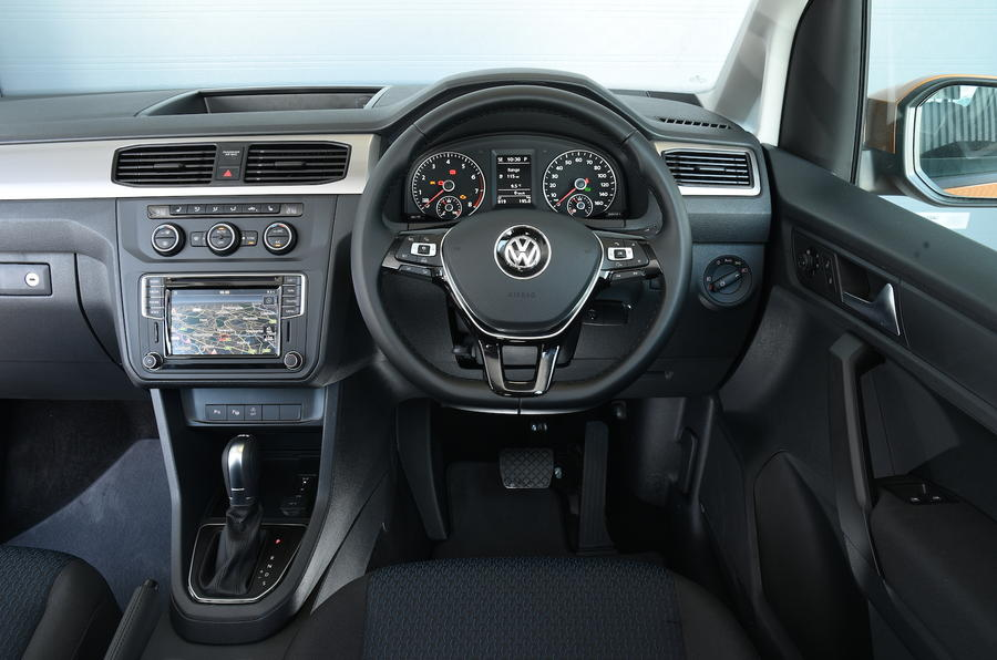 Volkswagen Caddy Maxi Life dashboard