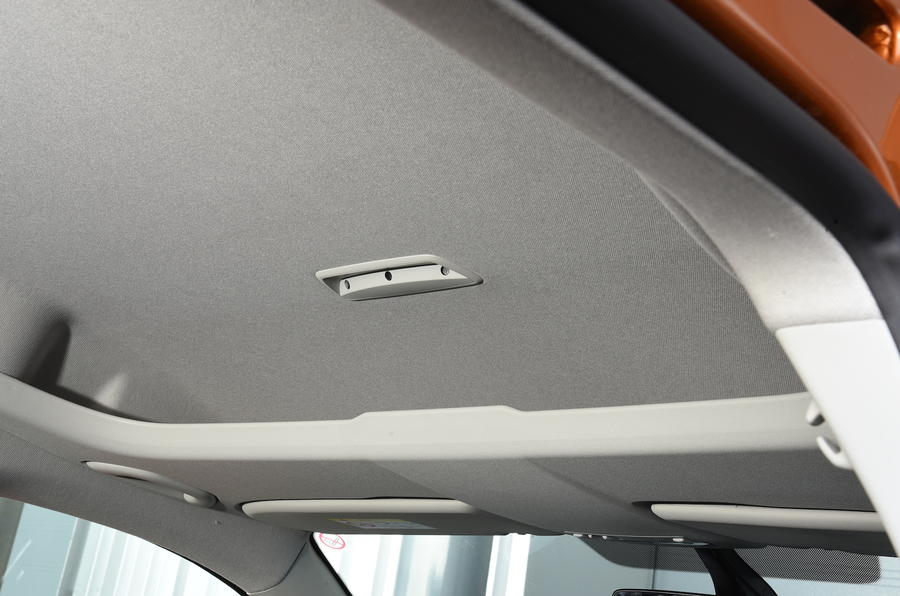 Volkswagen Caddy Maxi Life storage