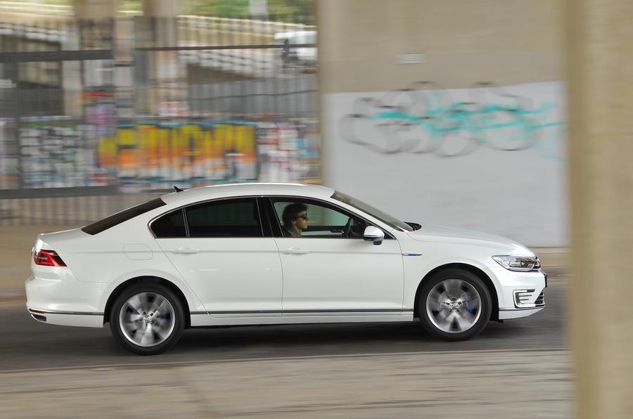Volkswagen Passat GTE side profile