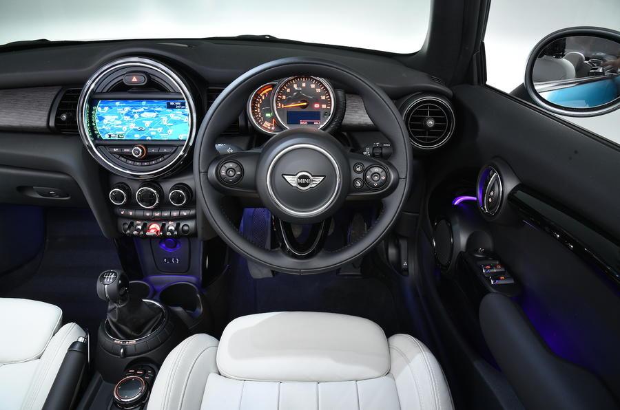 Mini Cooper Convertible dashboard