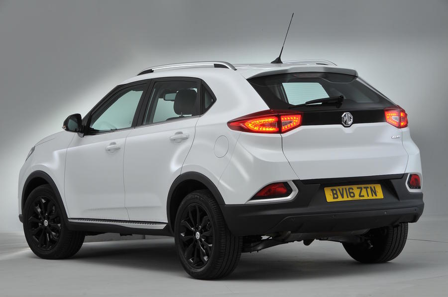 MG GS Exclusive DCT rear quarter