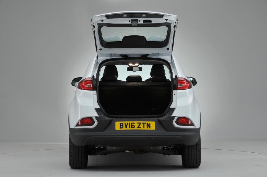 MG GS Exclusive DCT boot space